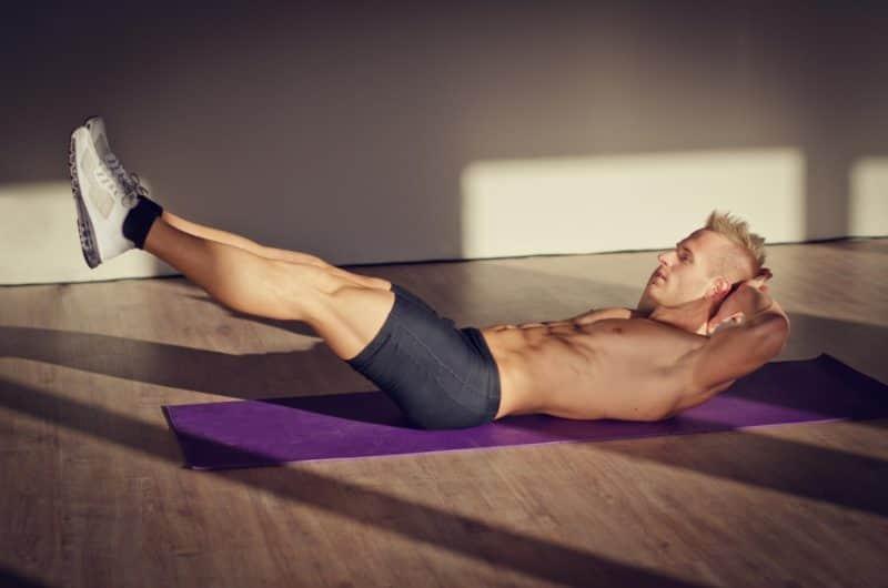 Крепкие мышцы пресса в 4-5 раз усиливают стояк у мужчин