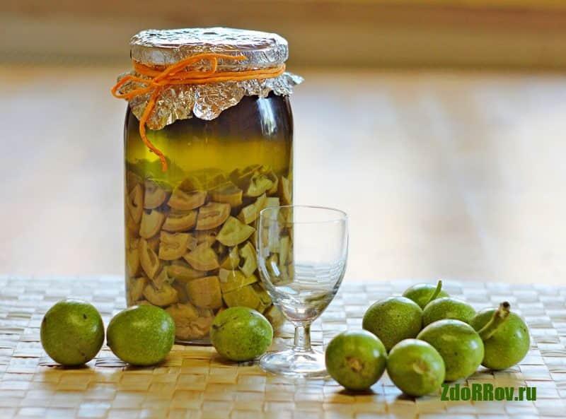 Отвар молодых грецких орехов против паразитов